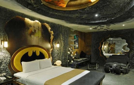 Camere A Tema Disney : Batman superman mickey mouse..le incredibili stanze dalbergo a