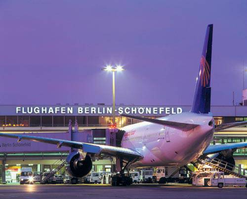 Aeroporto Berlino : Berlino aeroporto schoenefeld chiude voli ryanair