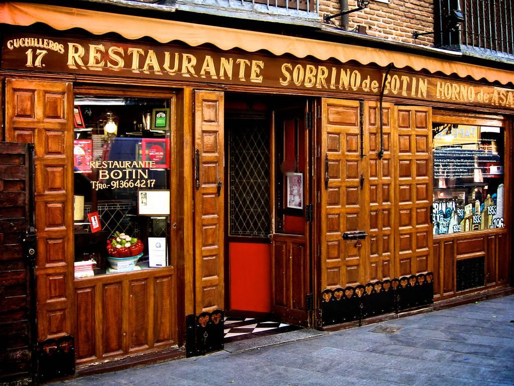 A madrid c 39 il ristorante pi antico del mondo foto for Casa botin madrid