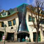 crooked-house-in-sopot-poland