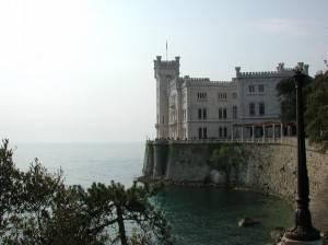 miramare 300x224 Moto | Trieste: itinerari sullaltopiano Carsico. Fra mare e montagna