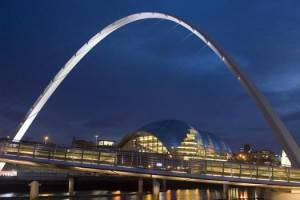 newcastle bridges11 300x200 Offerte | Jet2: dopo Edimburgo, Leeds e Manchester, nuovi voli verso Newcastle