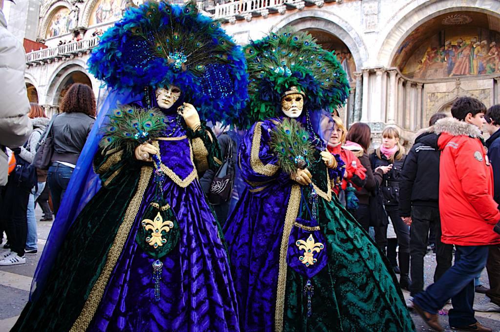 Венецианский карнавал связан со старинной легендой